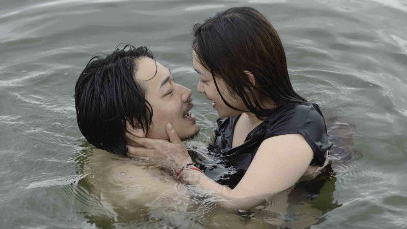 映画『そこのみにて光輝く』綾野剛と池脇千鶴の濡れ場