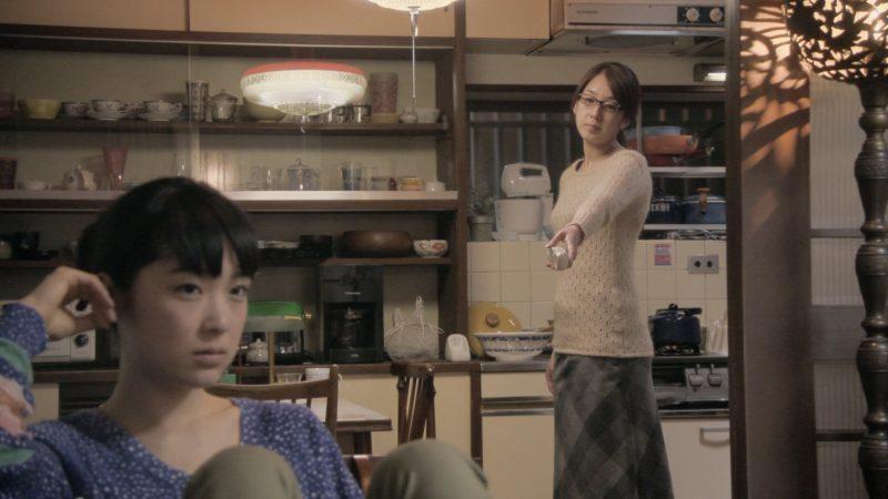 映画『ミツコ感覚』ミツコ役の初音映莉子とエミ役の石橋けい