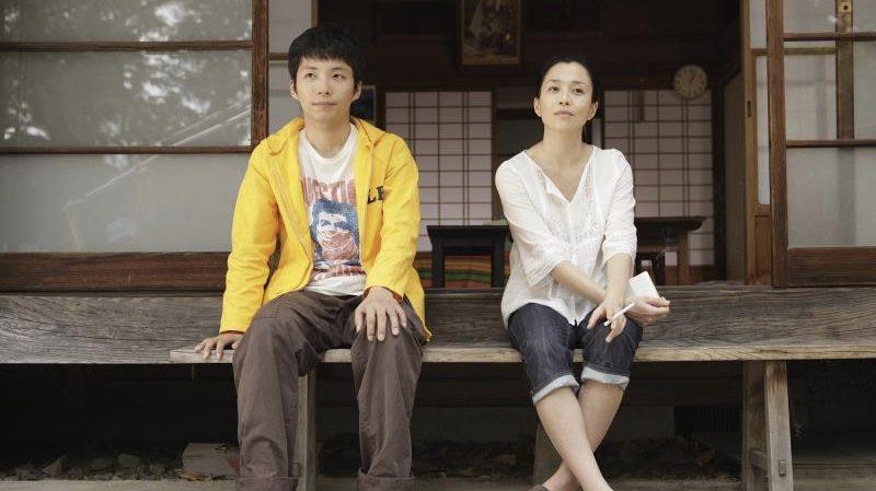 映画『ノン子36歳』ノブ子役の坂井真紀とマサル役の星野源