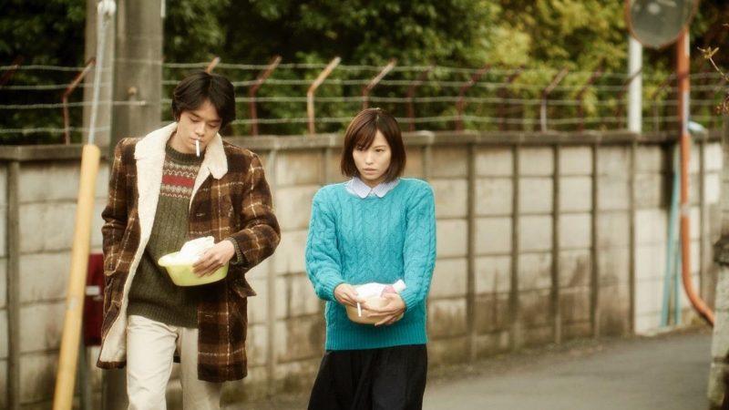 映画『海を感じる時』恵美子役の市川由衣と洋役の池松壮亮