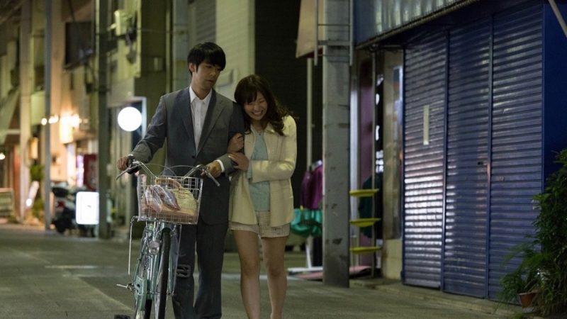 映画『どうしようもない恋の唄』ヒナ役の藤崎里菜と矢代役のカトウシンスケ