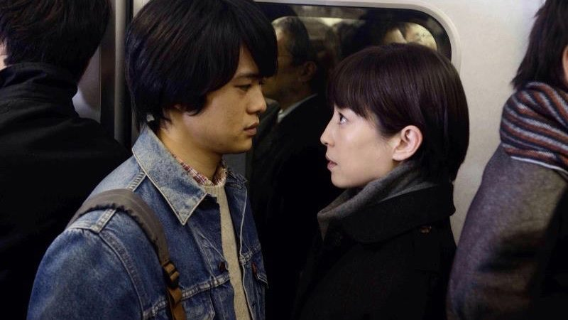 映画『紙の月』映画『紙の月』梅澤梨花役の宮沢りえと平林光太役の池松壮亮