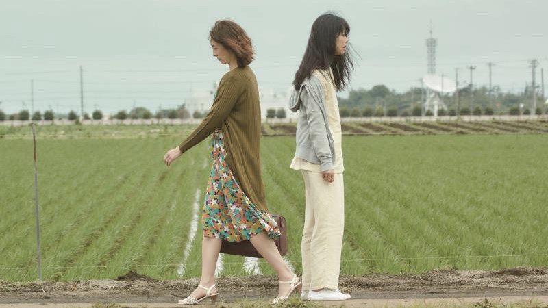 映画『月と雷』辻井泰子役の初音映莉子と草刈民代