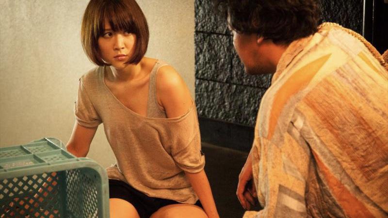 映画『ローリング』みはり役の柳英里紗と権藤役の川瀬陽太
