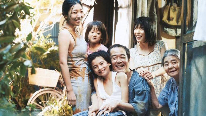 映画『万引き家族』柴田家