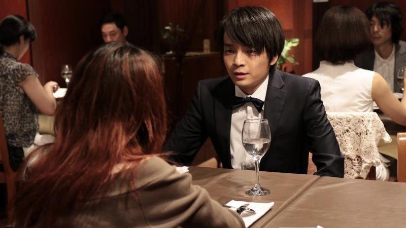 映画『愛の病』原田エミコ役の瀬戸さおりと仁志真之助役の岡山天音