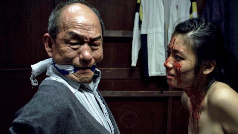 映画『グレイトフルデッド』乳首出しヌードで逆強姦する瀧内公美