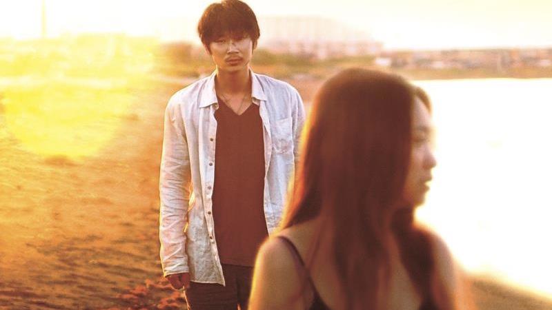 映画『そこのみにて光輝く』佐藤達夫役の綾野剛と大城千夏役の池脇千鶴