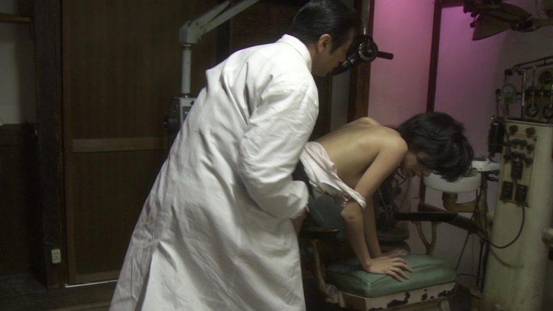 映画『失恋殺人』宮地真緒が乳首出しヌードのセックスシーン
