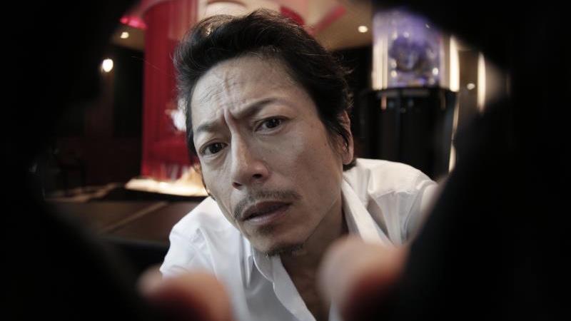 映画『LOVEHOTELに於ける情事とPLANの涯て』間宮役の三上博史と詩織役の酒井若菜