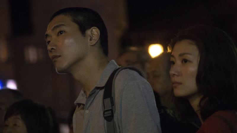 映画『火口のふたり』永原賢治役の柄本佑と佐藤直子役の瀧内公美