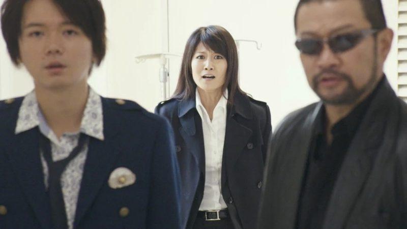 映画『花と蛇 ZERO』雨宮美咲役の天乃舞衣子と馬場警部役の木村祐一