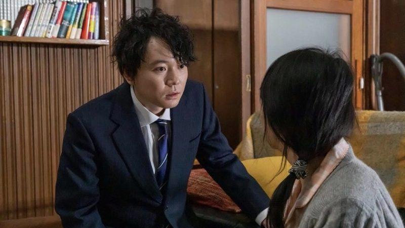 映画『メビウスの悪女 赤い部屋』勇気役の川野直輝と母親役の美保純