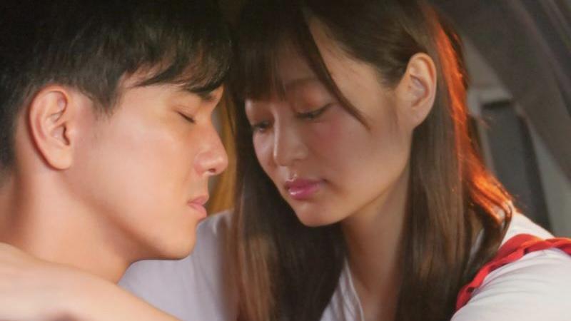 映画『悲しき天使』一美役の和田瞳と茂役の水野勝